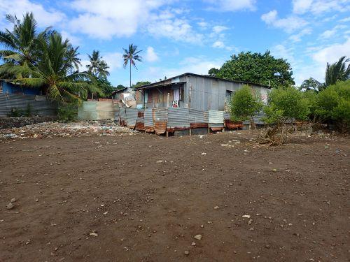 Urbanisation en mangrove (©DEAL976)
