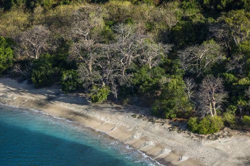 Plages de Mayotte, sable noir, blanc, ocre... ©DEAL976